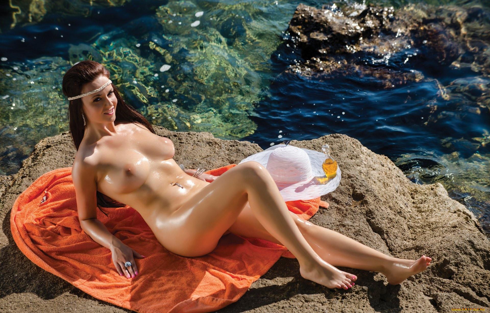 Ivana dewar nude having sex with